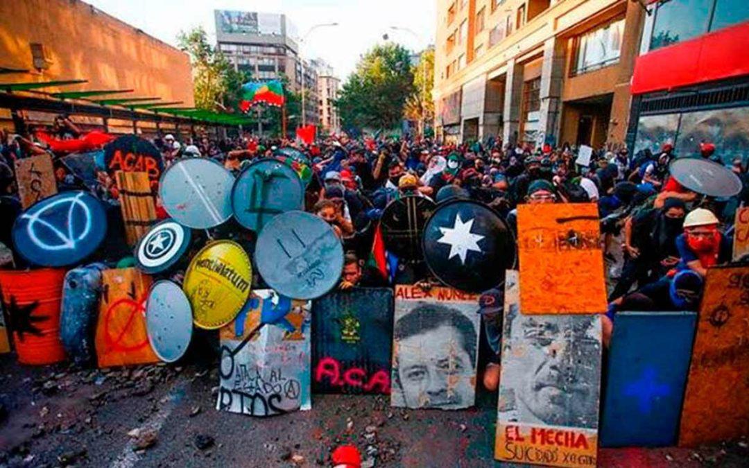 «Mitos y verdades sobre la Primera Línea», columna de Roberto Fernández para La Mirada